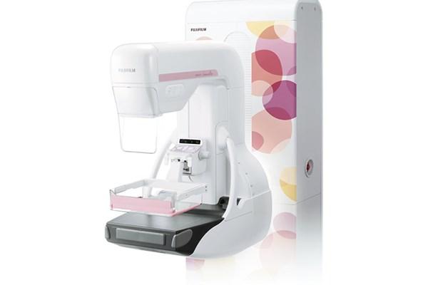 Nuevo mamógrafo con tomosíntesis